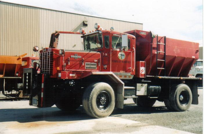 http://www.badgoat.net/Old Snow Plow Equipment/Trucks/Oshkosh Plow Trucks/Oshkosh Trucks/GW703H462-15.jpg